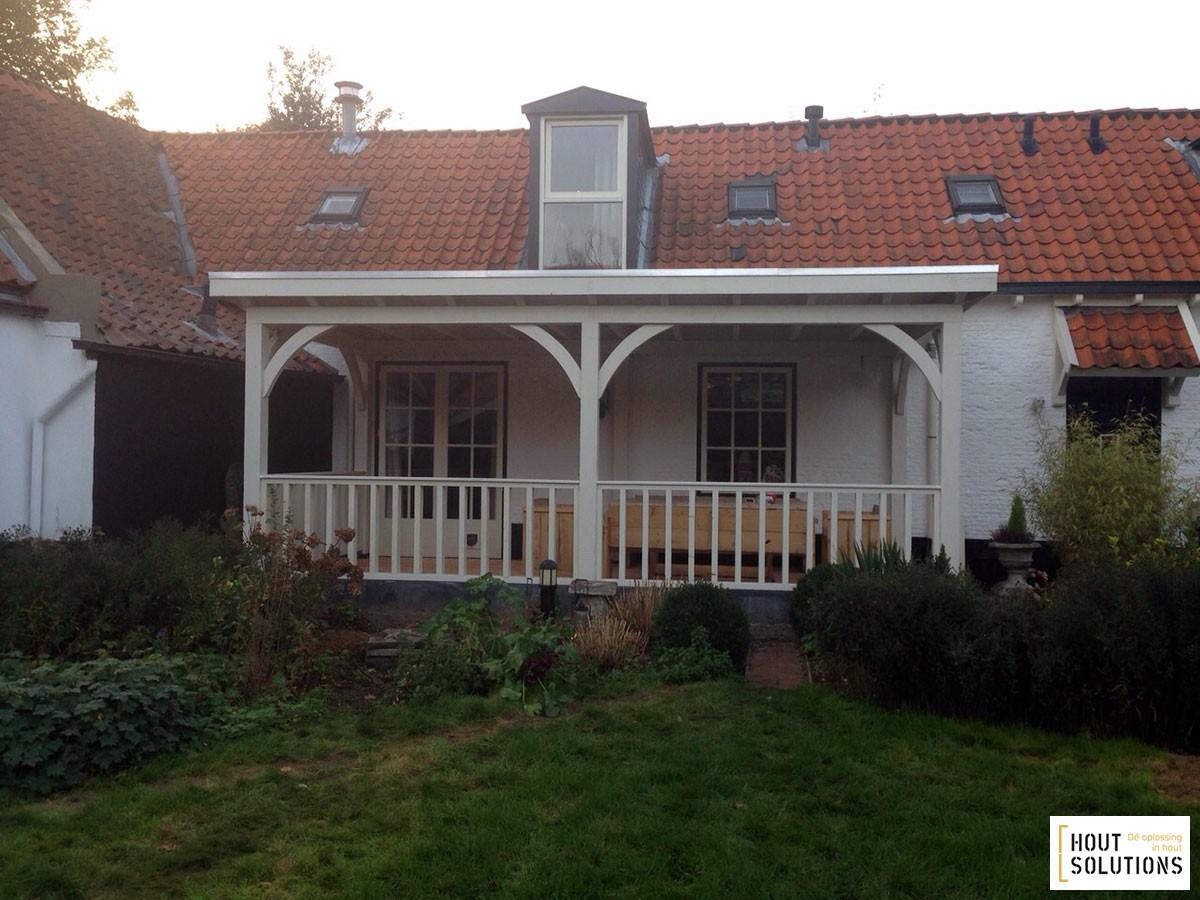 Houten veranda platdak houtsolutions for Houten veranda