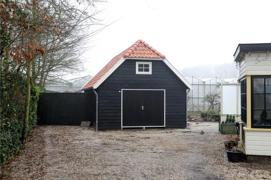 Garage Met Veranda : Houten nostalgische garage met luifel houtsolutions