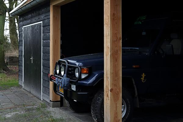 Douglas houten kapschuur met carport